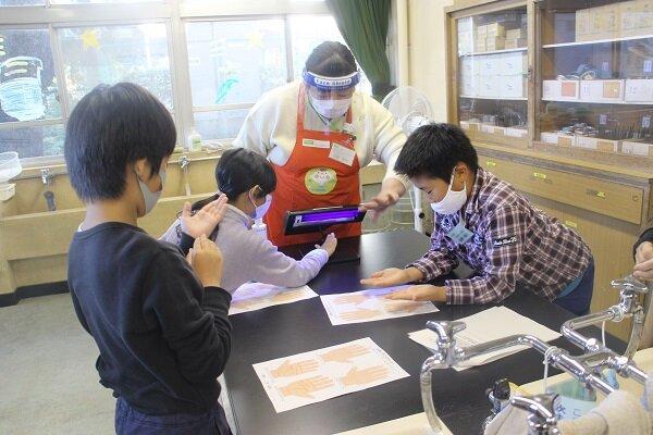 さいたま市立大宮東小学校で「フードチェーンと食中毒予防」の出前授業を実施しました