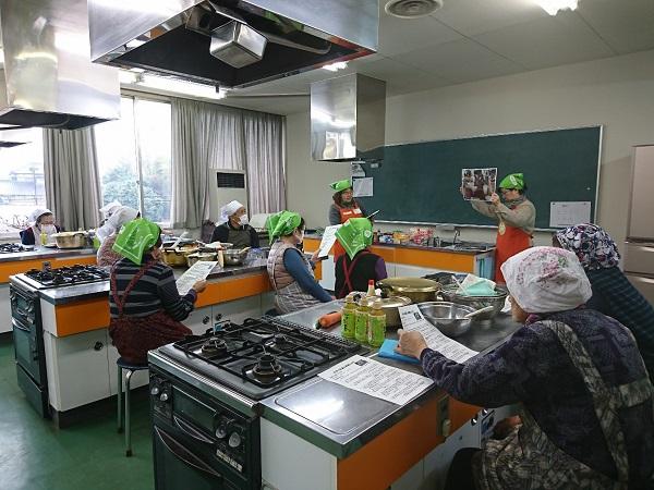 八街消費者の会で食育出前授業「豆腐づくりと大豆の学習」を行いました