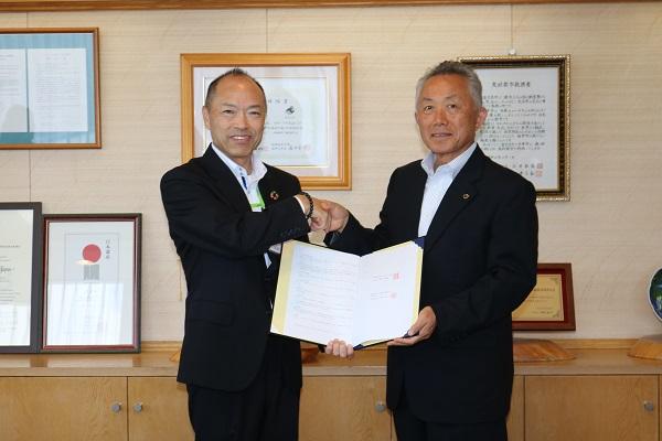 富士見町との協定締結と懇談会を実施