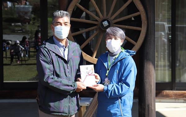 「森のがっこう」森林の里親契約寄付金贈呈式