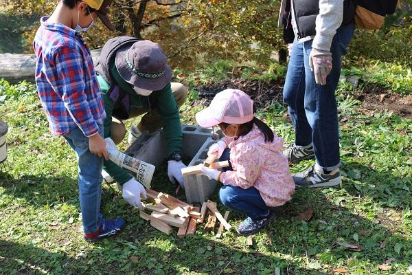 【森のがっこう】火おこし体験と森を知る学習会を開催