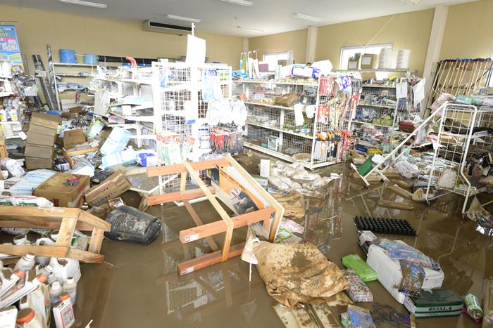 JAあしきたの店内も浸水し、建物施設・商品に大きな被害を受けました